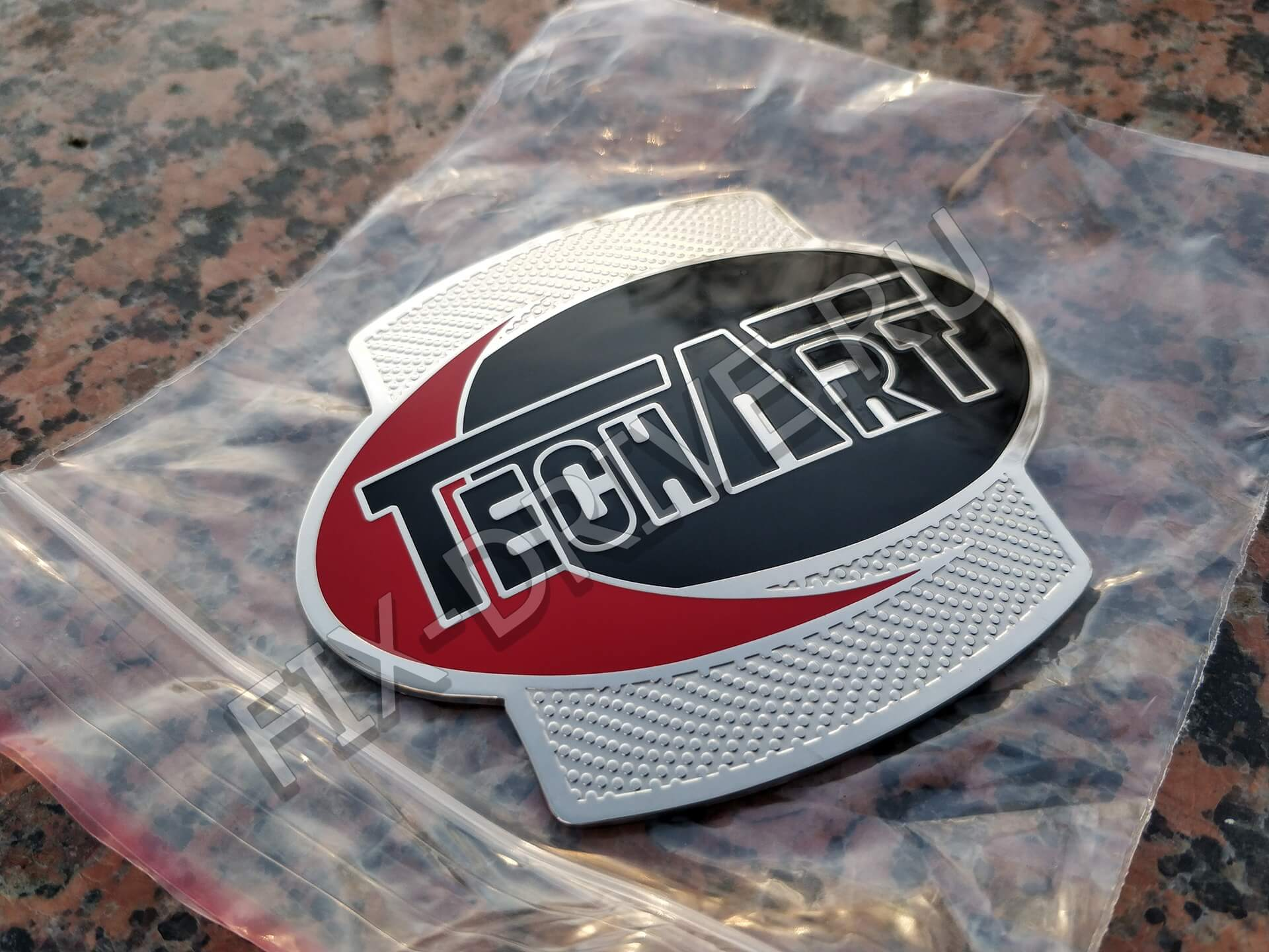 Эмблема Porsche TechArt 955